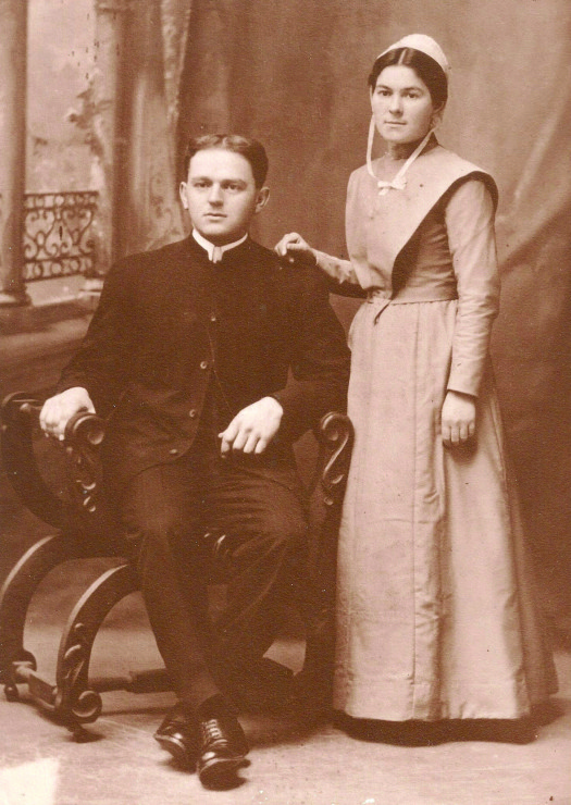 Wedding photo of Jesse and Alice Sider, grandparents of the author of this article
