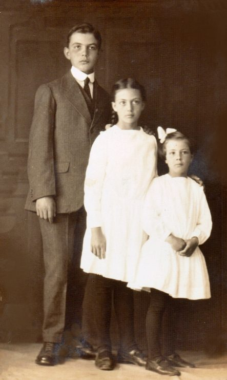 Frey siblings: Lester, Ruth, and Mabel